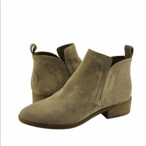 Dolce Vita Tessey Ankle Boot